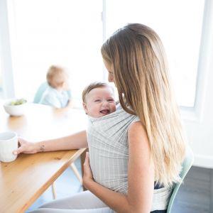 ERGOBABY AURA WRAP - šátek na nošení dětí Grey Stripes