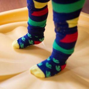 Zoocchini Set legíny a ponožky s protiskluzem Dinosaurus 12 - 18 m